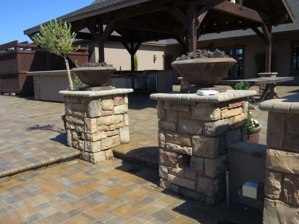 this image shows stone masonry laguna niguel